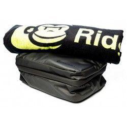 Zestaw kosmetyczka+ręcznik kąpielowy Ridge Monkey LX Bath Towel and Weatherproof Shower Caddy Set